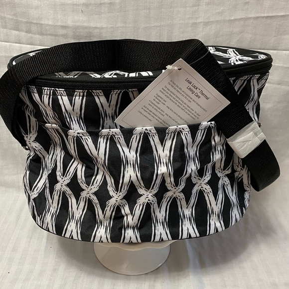 thirty-one Other - Thirty-one - Family fun thermal w/leak lock lining